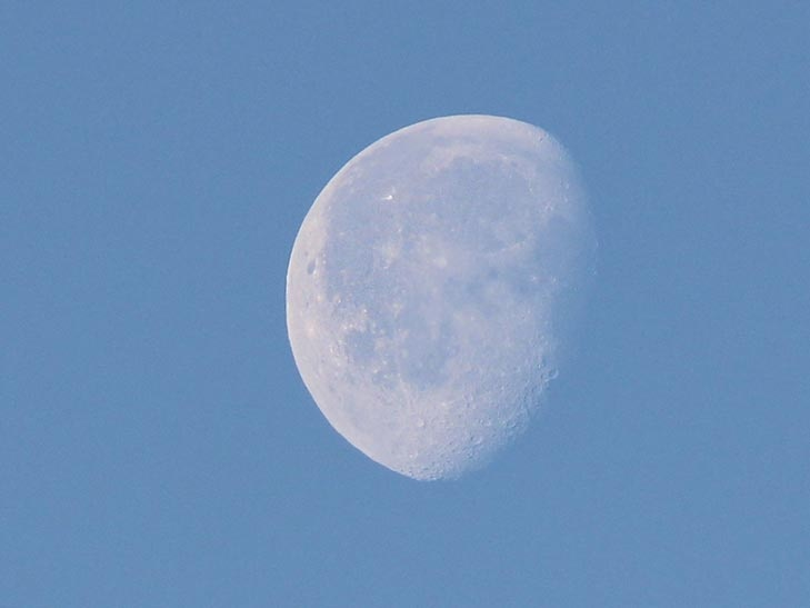 How to Photograph the Moon Image3