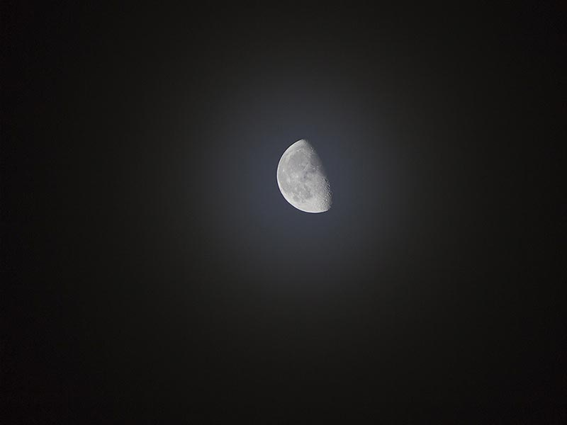 How to Photograph the Moon Image2