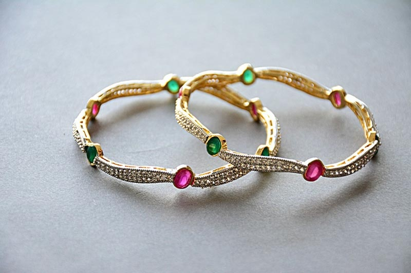 How to Photograph Jewelry Image1