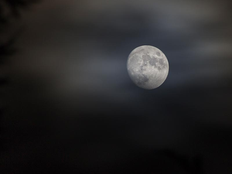 How to Photograph the Moon Image1