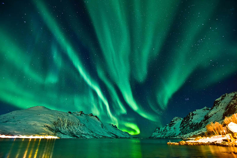 How to Photograph the Northern and Southern Lights Image1